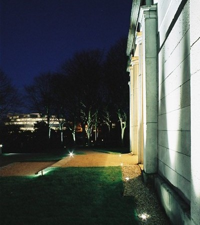 Landscape Fittings – UCD – facade lighting design