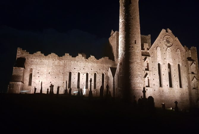 W!NK Lights The Rock Of Cashel!